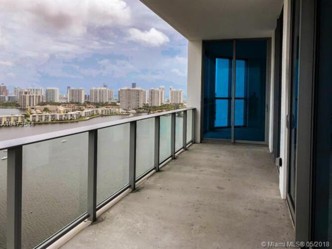 Marina Palms Yacht Club and Residences North Tower image #7