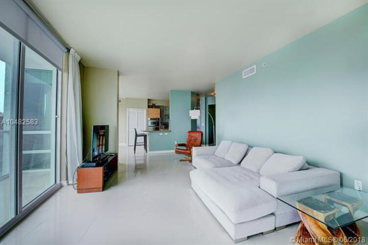 218 SE 14th St, Miami, Fl 33131, Emerald at Brickell #1501, Brickell, Miami A10482583 image #3