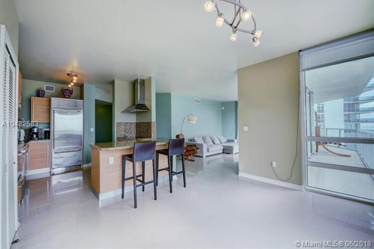 218 SE 14th St, Miami, Fl 33131, Emerald at Brickell #1501, Brickell, Miami A10482583 image #4