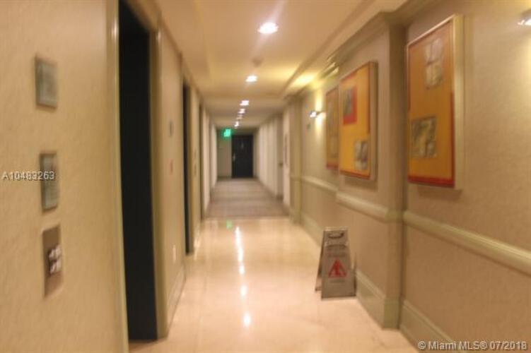 185 Southeast 14th Terrace, Miami, FL 33131, Fortune House #1407, Brickell, Miami A10483263 image #3