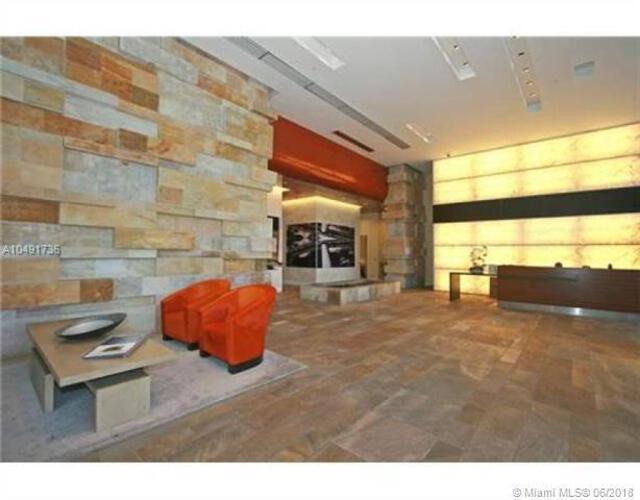 500 Brickell image #31