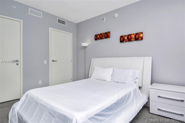Brickell House image #20