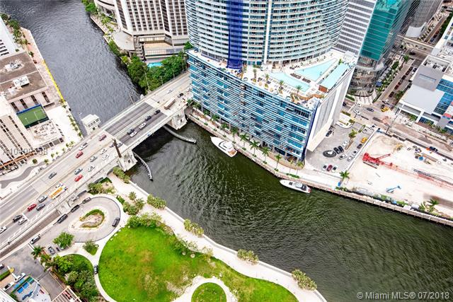 465 Brickell Ave, Miami, FL 33131, Icon Brickell I #5204, Brickell, Miami A10499558 image #3
