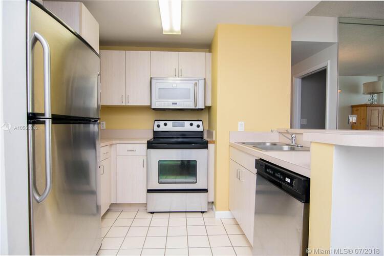 185 Southeast 14th Terrace, Miami, FL 33131, Fortune House #1812, Brickell, Miami A10506242 image #2