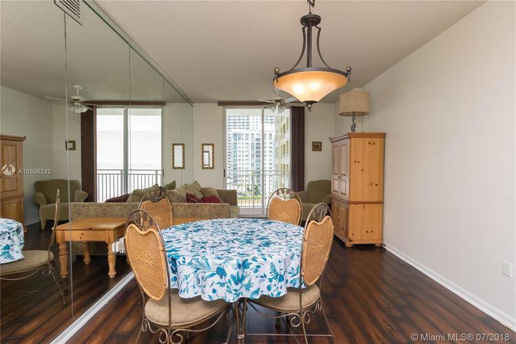 185 Southeast 14th Terrace, Miami, FL 33131, Fortune House #1812, Brickell, Miami A10506242 image #4