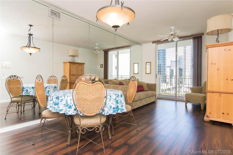 185 Southeast 14th Terrace, Miami, FL 33131, Fortune House #1812, Brickell, Miami A10506242 image #5