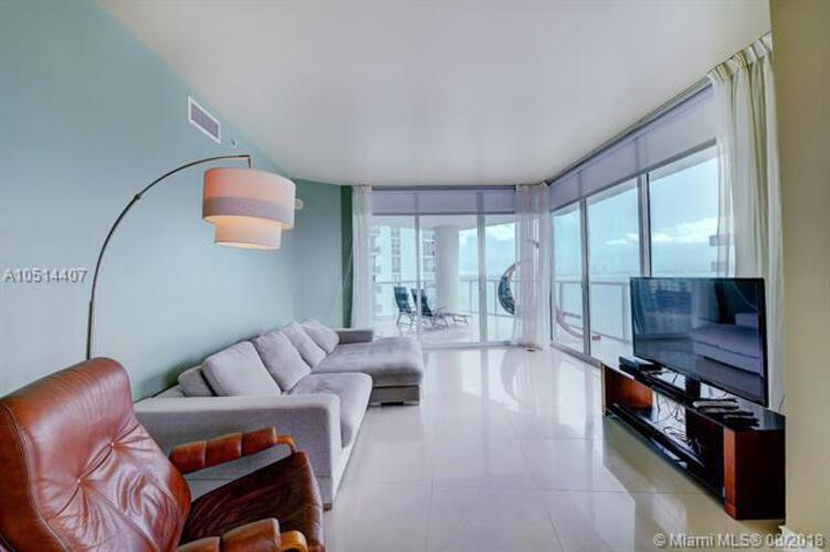 218 SE 14th St, Miami, Fl 33131, Emerald at Brickell #1501, Brickell, Miami A10514407 image #3