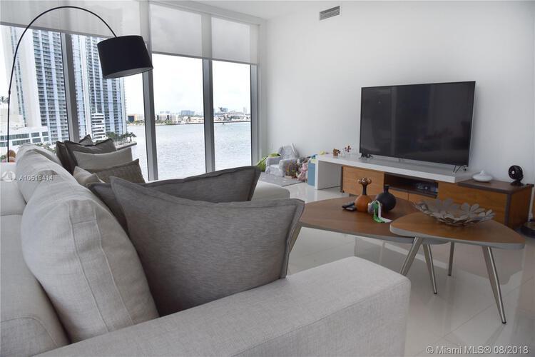 465 Brickell Ave, Miami, FL 33131, Icon Brickell I #1002, Brickell, Miami A10519414 image #2