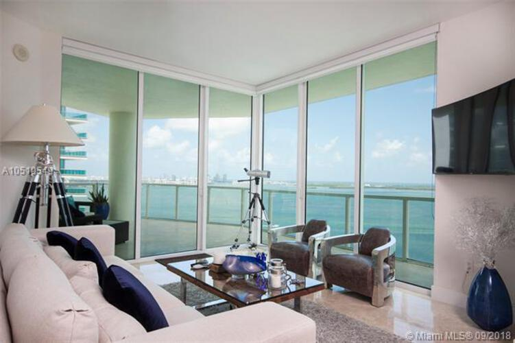 218 SE 14th St, Miami, Fl 33131, Emerald at Brickell #TS101, Brickell, Miami A10519549 image #2