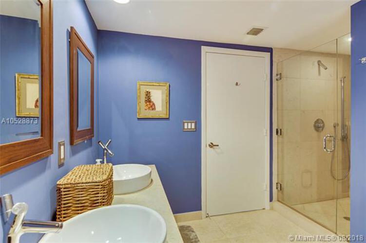 495 Brickell Ave, Miami, FL 33131, Icon Brickell II #3308, Brickell, Miami A10528873 image #14