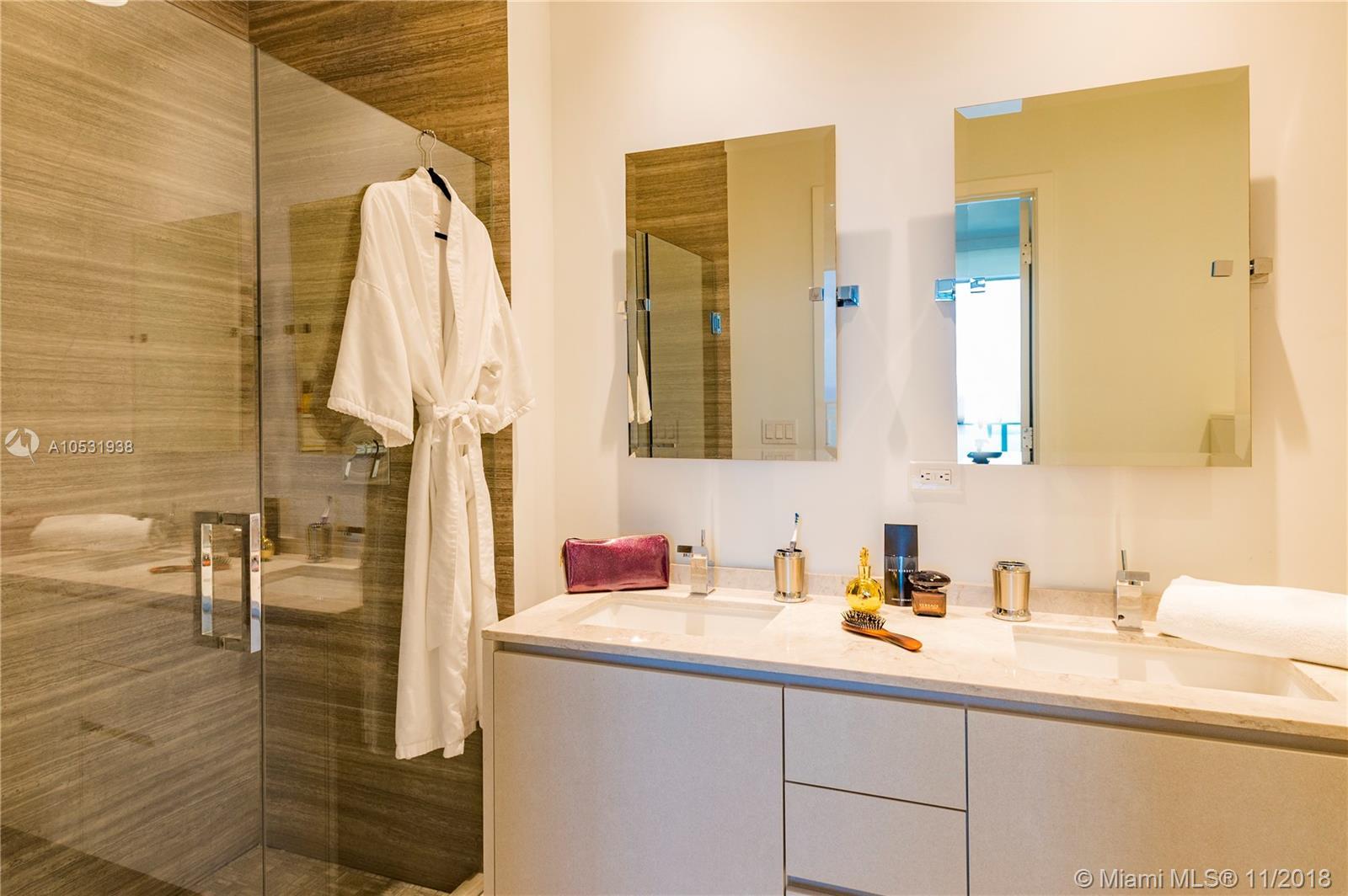 1010 Brickell Avenue, Miami, FL 33131, 1010 Brickell #4704, Brickell, Miami A10531938 image #18