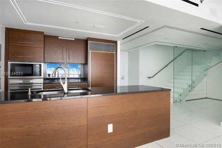 465 Brickell Ave, Miami, FL 33131, Icon Brickell I #PH5703, Brickell, Miami A10534033 image #10