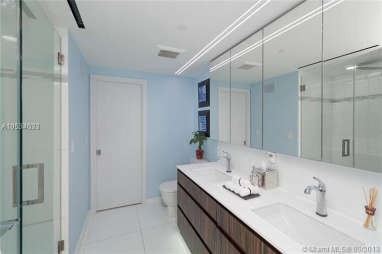 465 Brickell Ave, Miami, FL 33131, Icon Brickell I #PH5703, Brickell, Miami A10534033 image #14