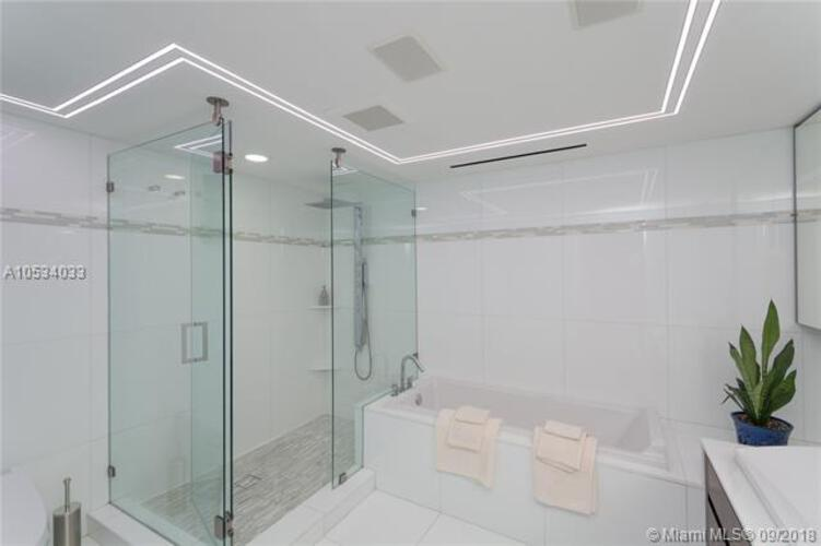 465 Brickell Ave, Miami, FL 33131, Icon Brickell I #PH5703, Brickell, Miami A10534033 image #16