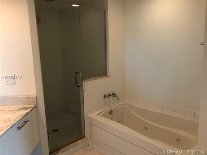 500 Brickell Avenue and 55 SE 6 Street, Miami, FL 33131, 500 Brickell #702, Brickell, Miami A10534462 image #21