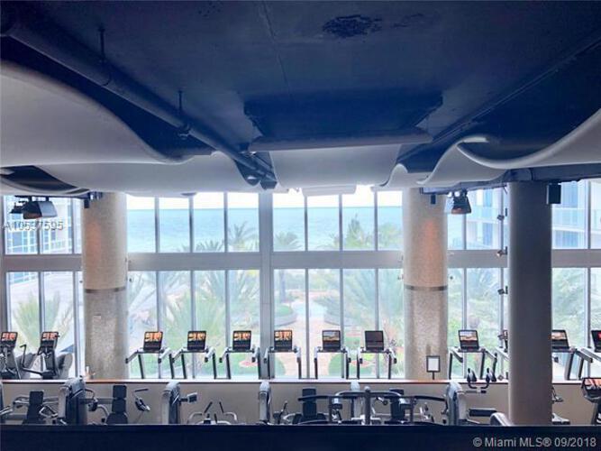 Carillon Condo South Tower image #18