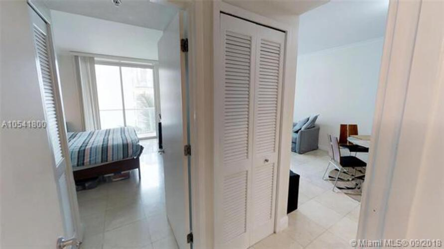 218 SE 14th St, Miami, Fl 33131, Emerald at Brickell #1106, Brickell, Miami A10541800 image #12