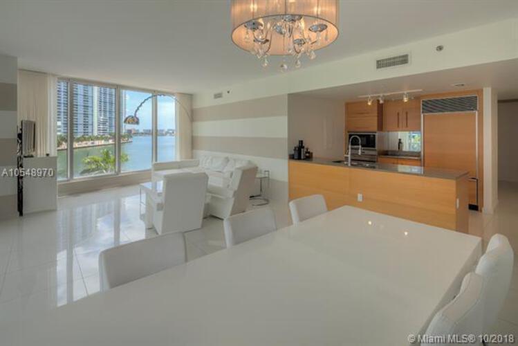 465 Brickell Ave, Miami, FL 33131, Icon Brickell I #402, Brickell, Miami A10548970 image #2
