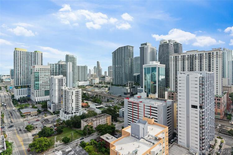 Brickell Ten image #15