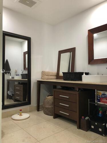 465 Brickell Ave, Miami, FL 33131, Icon Brickell I #1104, Brickell, Miami A10549297 image #18