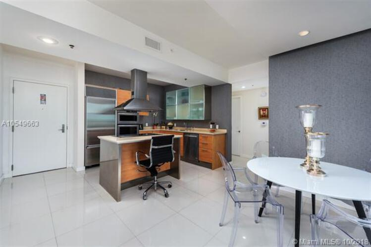218 SE 14th St, Miami, Fl 33131, Emerald at Brickell #1705, Brickell, Miami A10549663 image #4