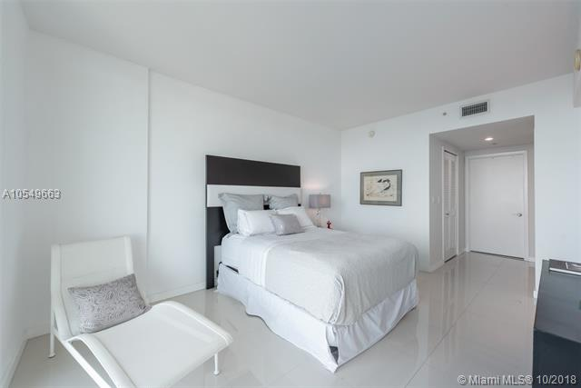 218 SE 14th St, Miami, Fl 33131, Emerald at Brickell #1705, Brickell, Miami A10549663 image #18