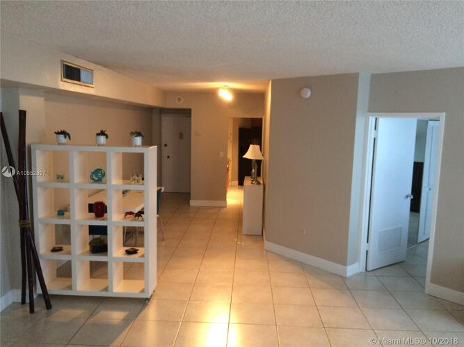 905 Brickell Bay Drive, Miami, FL 33131, Four Ambassadors #465, Brickell, Miami A10552697 image #3