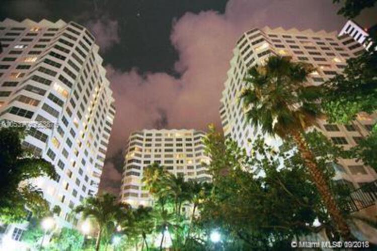 905 Brickell Bay Drive, Miami, FL 33131, Four Ambassadors #1007, Brickell, Miami A10553876 image #2