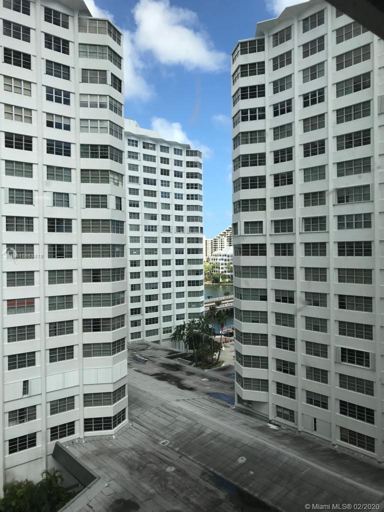 905 Brickell Bay Drive, Miami, FL 33131, Four Ambassadors #1007, Brickell, Miami A10553876 image #21