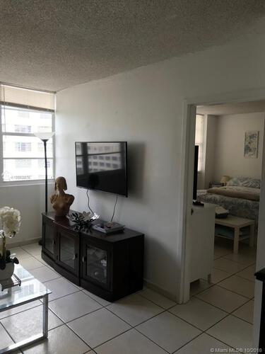 905 Brickell Bay Drive, Miami, FL 33131, Four Ambassadors #1007, Brickell, Miami A10553876 image #28