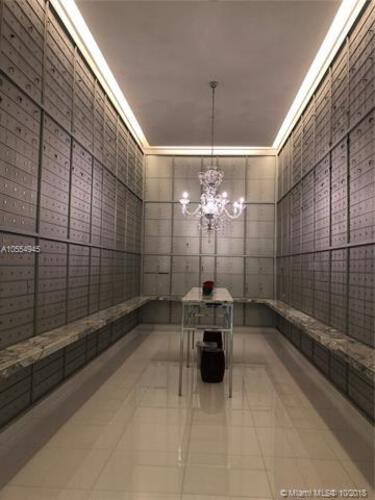 Icon Brickell II image #22