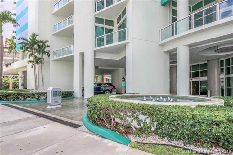 218 SE 14th St, Miami, Fl 33131, Emerald at Brickell #1405, Brickell, Miami A10560255 image #2