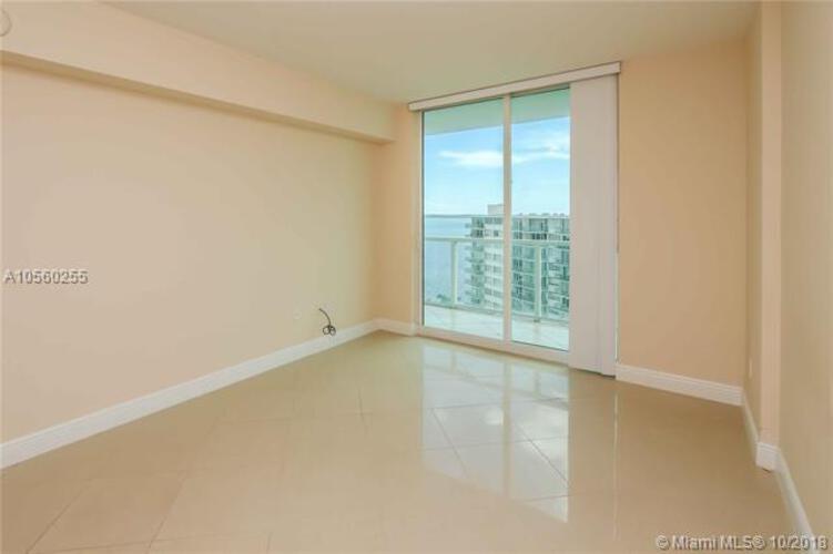 218 SE 14th St, Miami, Fl 33131, Emerald at Brickell #1405, Brickell, Miami A10560255 image #13