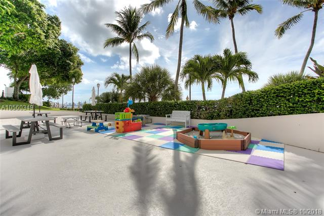 Brickell Bay Club image #15