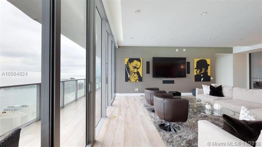Brickell House image #9