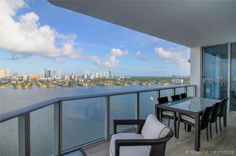 Marina Palms Yacht Club and Residences North Tower image #9