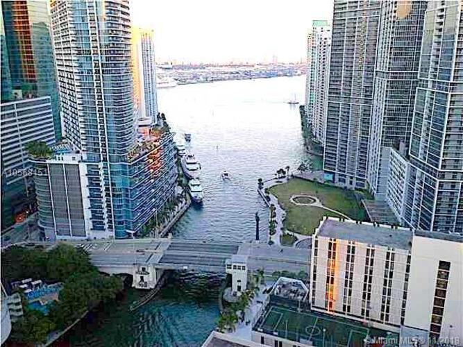 Brickell on the River North image #8