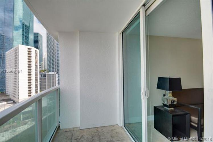 Brickell on the River North image #40
