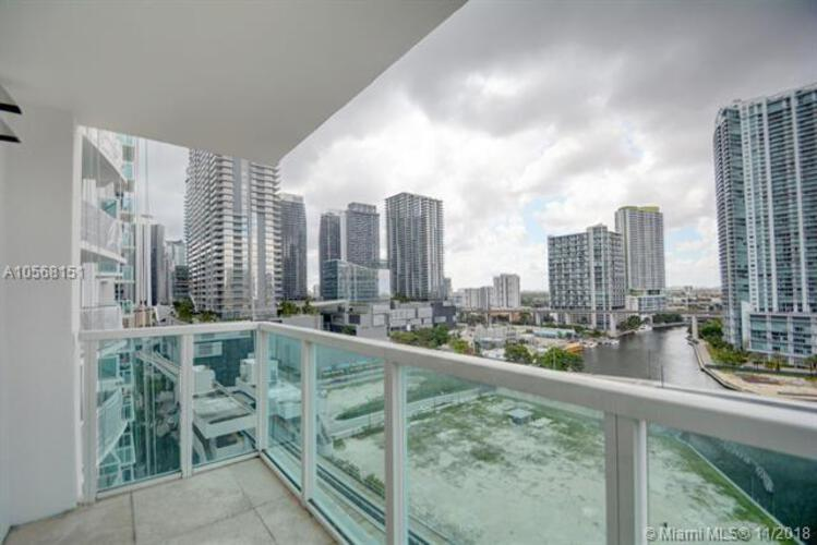 Brickell on the River North image #51