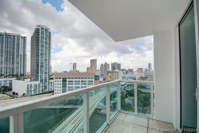 Brickell on the River North image #55