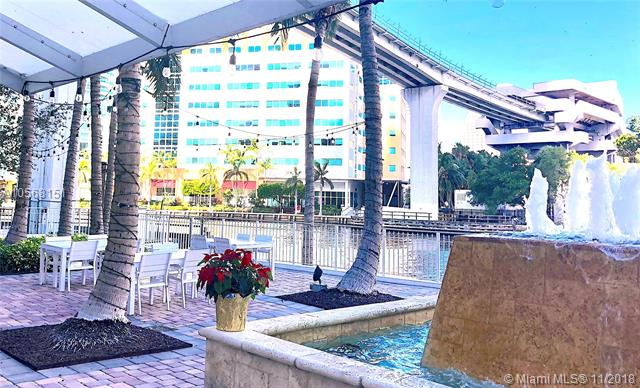 Brickell on the River North image #88