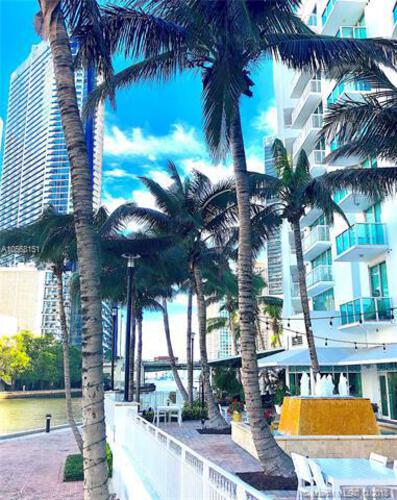 Brickell on the River North image #94