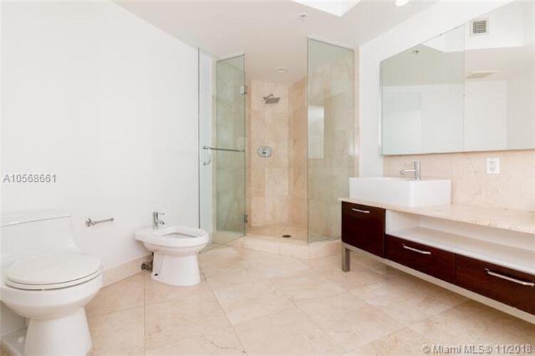218 SE 14th St, Miami, Fl 33131, Emerald at Brickell #1801, Brickell, Miami A10568661 image #28