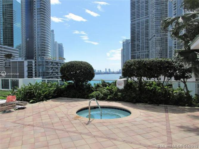 Brickell on the River North image #21