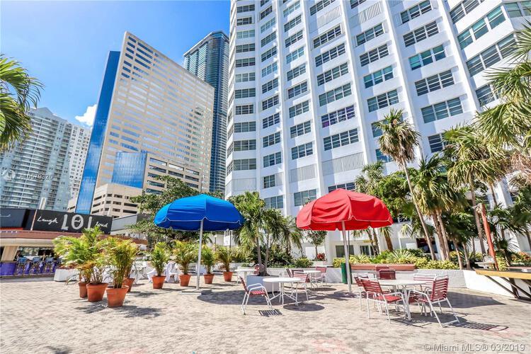 905 Brickell Bay Drive, Miami, FL 33131, Four Ambassadors #408, Brickell, Miami A10579325 image #23