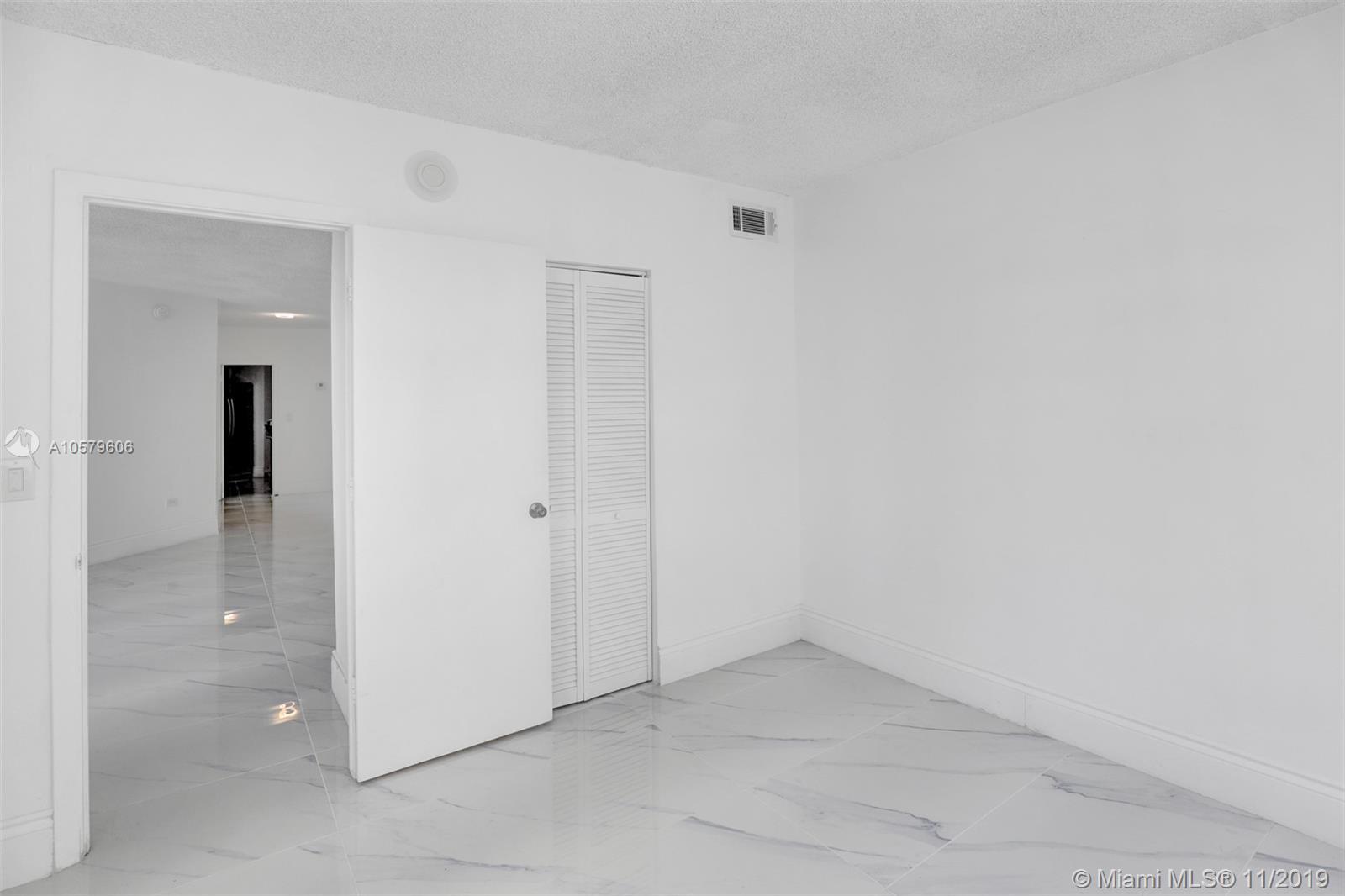 905 Brickell Bay Drive, Miami, FL 33131, Four Ambassadors #1524, Brickell, Miami A10579606 image #13