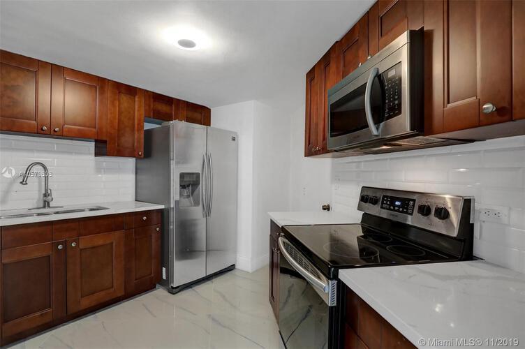 905 Brickell Bay Drive, Miami, FL 33131, Four Ambassadors #1524, Brickell, Miami A10579606 image #20