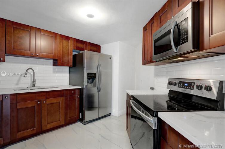 905 Brickell Bay Drive, Miami, FL 33131, Four Ambassadors #1524, Brickell, Miami A10579606 image #21