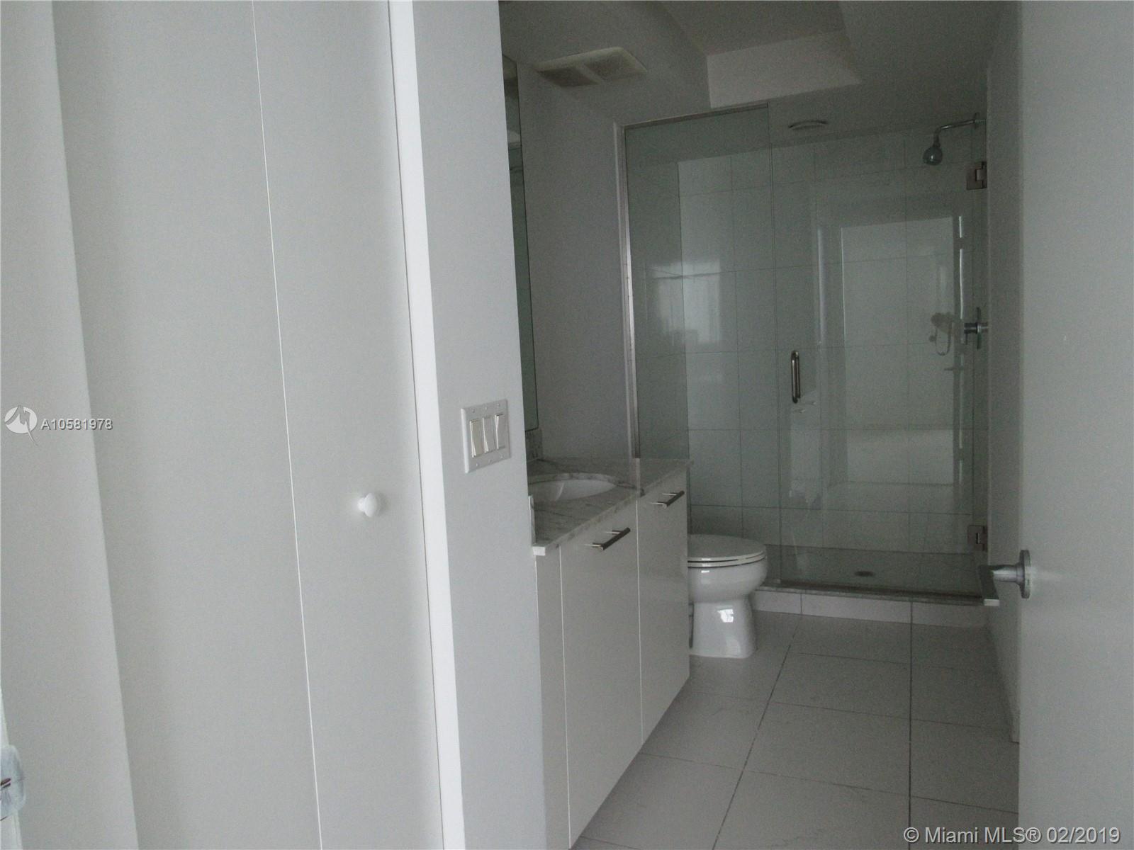 500 Brickell image #43