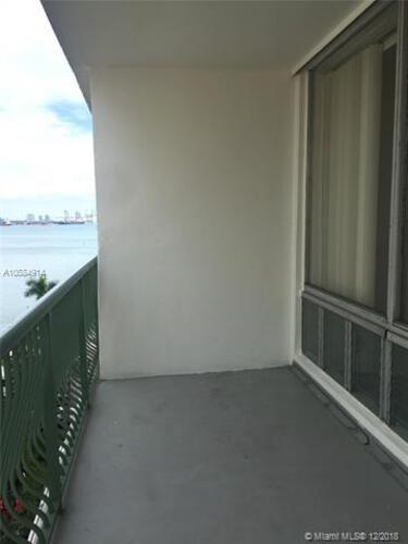 Brickell Bay Tower image #8